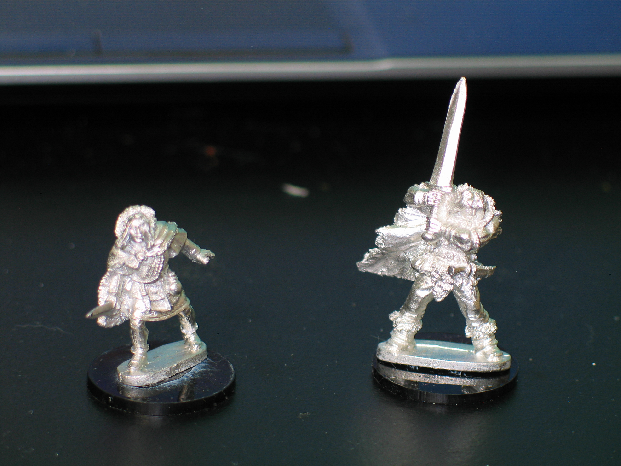 The thief and the barbarian from the Frostgrave range.